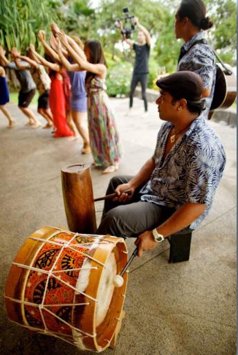 Hawaii-Luau-Company-event4