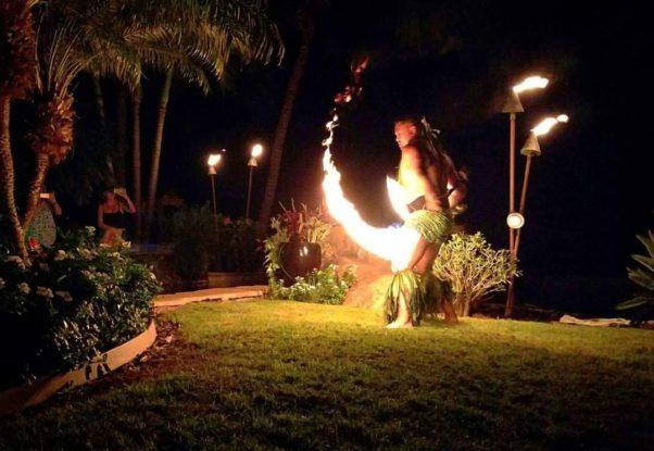 Hawaii-Luau-Company-spectacularfiredance