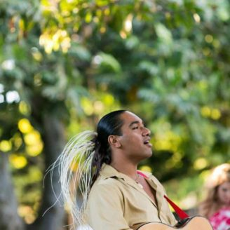 Hawaii-Luau-Company-wedding9