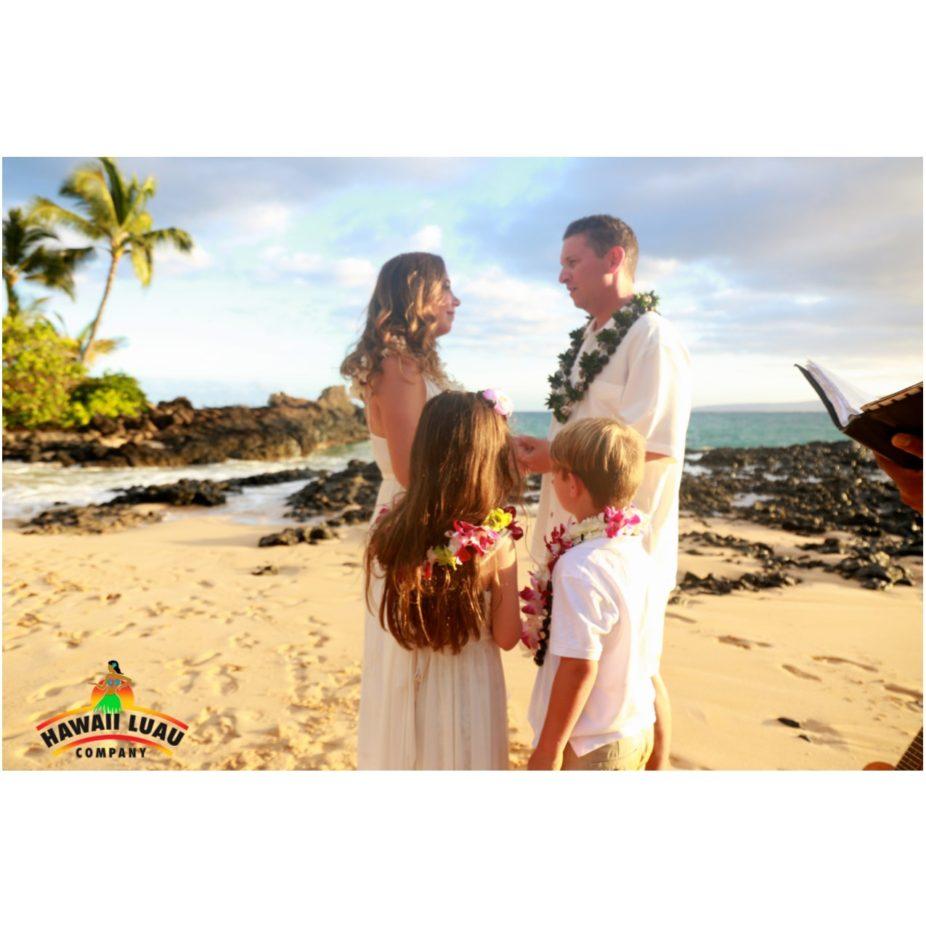 Hawaii-Luau-Company-weddingBG