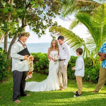 Hawaii-Luau-Company-weddingboth