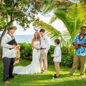 Hawaii-Luau-Company-weddingceremonyinhawaii
