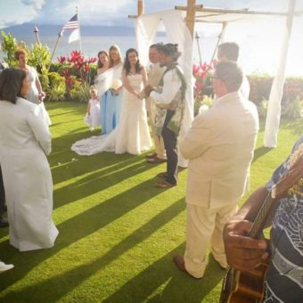 Hawaii-Luau-Company-weddingeventinhawaiipeople