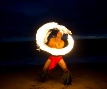 Hawaii-Luau-Company-firedanceevent